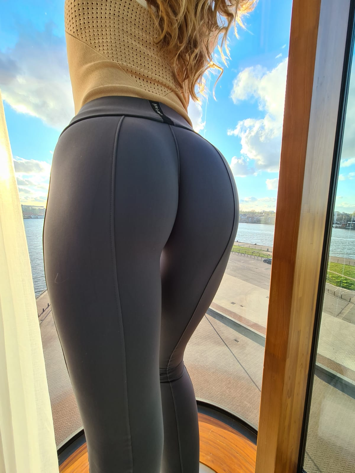 Booty Building